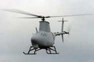FIRE SCOUT<br/>Bu araç da göklerde görev yapan bir insansız hava aracı. Fakat alışılmamış bir şekilde bir uçağın değil, bir helikopterin tüm özelliklerini barındırıyor. İnanılmaz iniş ve kalkış yeteneği değme helikopter pilotlarını bile kıskandırıyor. Hemen belirtelim, bu araç tüm iniş kalkış ve yol alma işlerini otonom olarak yapıyor.<br/> <br/>Fire Scout aynı zamanda silahlı bir robot araç. Verilen konuma en uygun yollarla gidip oradaki hedefleri yok edebiliyor. Ayrıca Fire Scout gece, sisli, kötü hava koşullarında bile yolunu rahatça bulabiliyor.