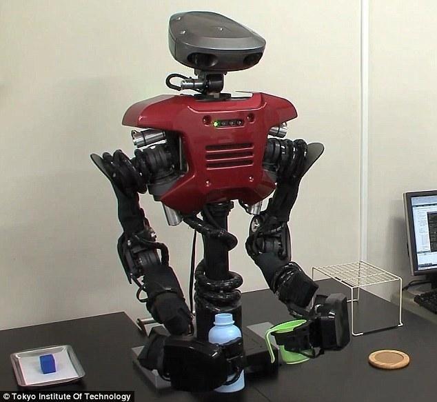 Robotların deneyimlerden öğrenmesi ve yeni problemleri çözmesi bilim kurgu gibi duruyor ancak bir Japon araştırmacı kendilerine yapmak üzere programlanmadıkları işleri yapmayı öğretebilen makinelerle bu kurguyu gerçeğe çevirmek üzerine çalışıyor.