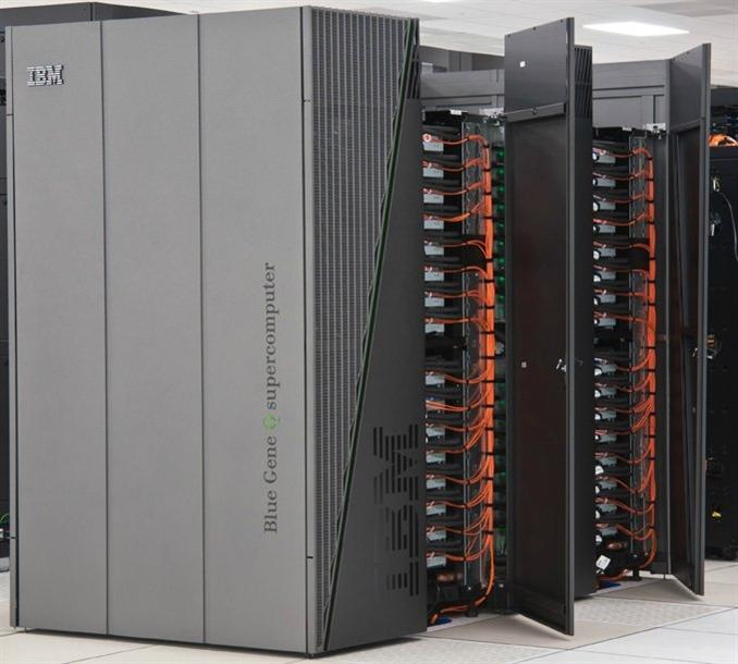 Mira Blue Gene. Yine IBM tarafından geliştirilen bu bilgisayar saniyede 8,15 katrilyon veri işleyebilmektedir. 48 raf 768000 işlemciden oluşur. Amerika elektrik şebekesinin optimizasyonu için kullanılır. Dünyanın en çevreci 3 bilgisayarından biridir.