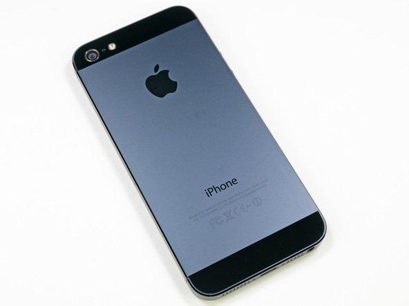 iFixit iPhone 5'in sökme-takma işlemine 10 üzerinden 7 puan vermiş. İnsanlarda  genel kanı iPhone'in beklentileri karşılayamadığı yönünde. Ama donanımsal olarak birçok yenilik var bunları görebilmek için ayrıntılı bir inceleme şart.   Not: Fotoğraflar iFixit'den alınmıştır.